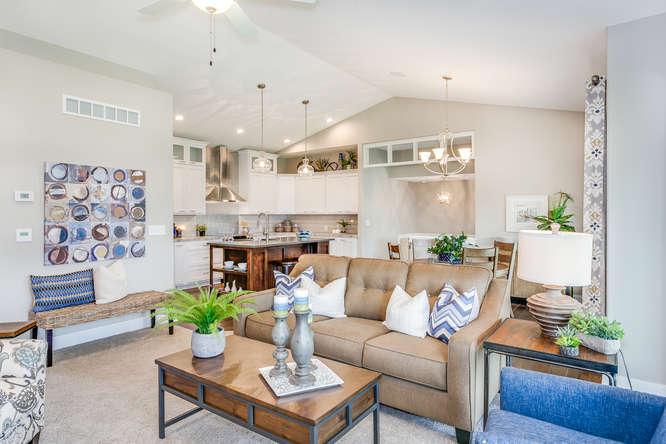 4316 N Ridge Port St Wichita-small-007-11-Living Room-666x445-72dpi.jpg