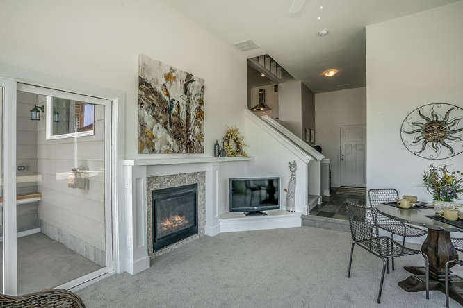 6285 W Kollmeyer Ct Wichita KS-small-016-19-Family Room-666x445-72dpi.jpg