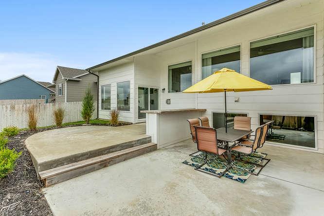 6505 W Kollmeyer Ct Wichita KS-small-031-95-Outdoor Living Area-666x444-72dpi.jpg