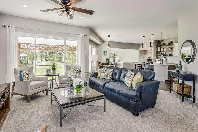 6305 Driftwood Wichita KS-small-005-12-Living Room-666x445-72dpi.jpg