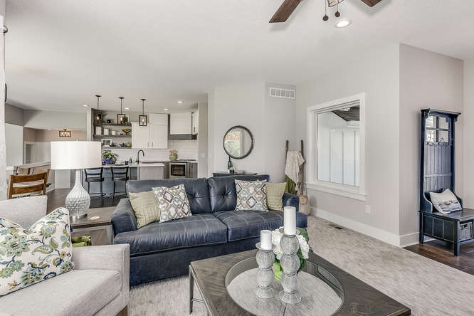 6305 Driftwood Wichita KS-small-006-11-Living Room-666x445-72dpi.jpg