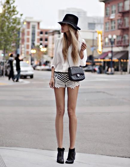 cream-black-street-style-lookbook.jpg
