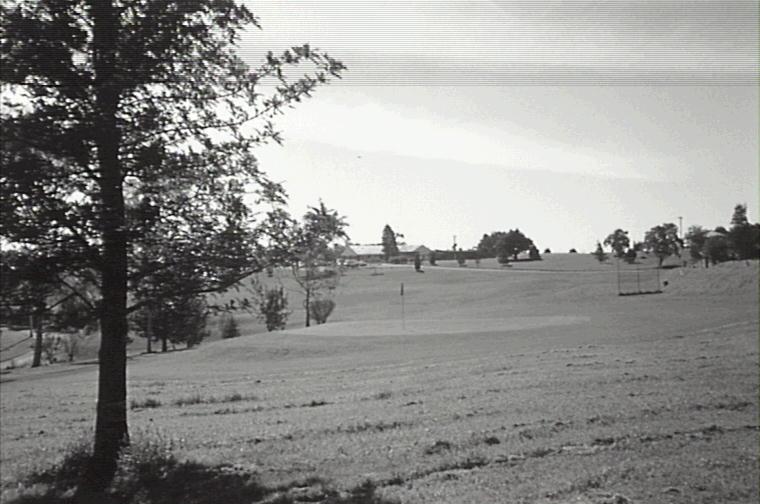 Golf Club Old Pic 7 1990.JPG