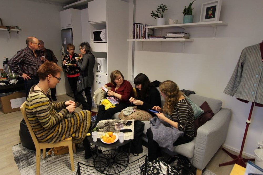 Social knitting on Wed and Sat