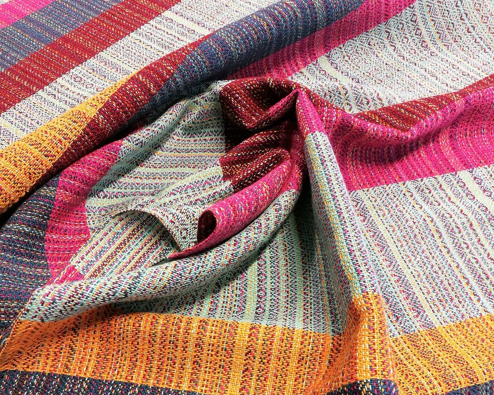 Finished fabric woven with the warp colours.