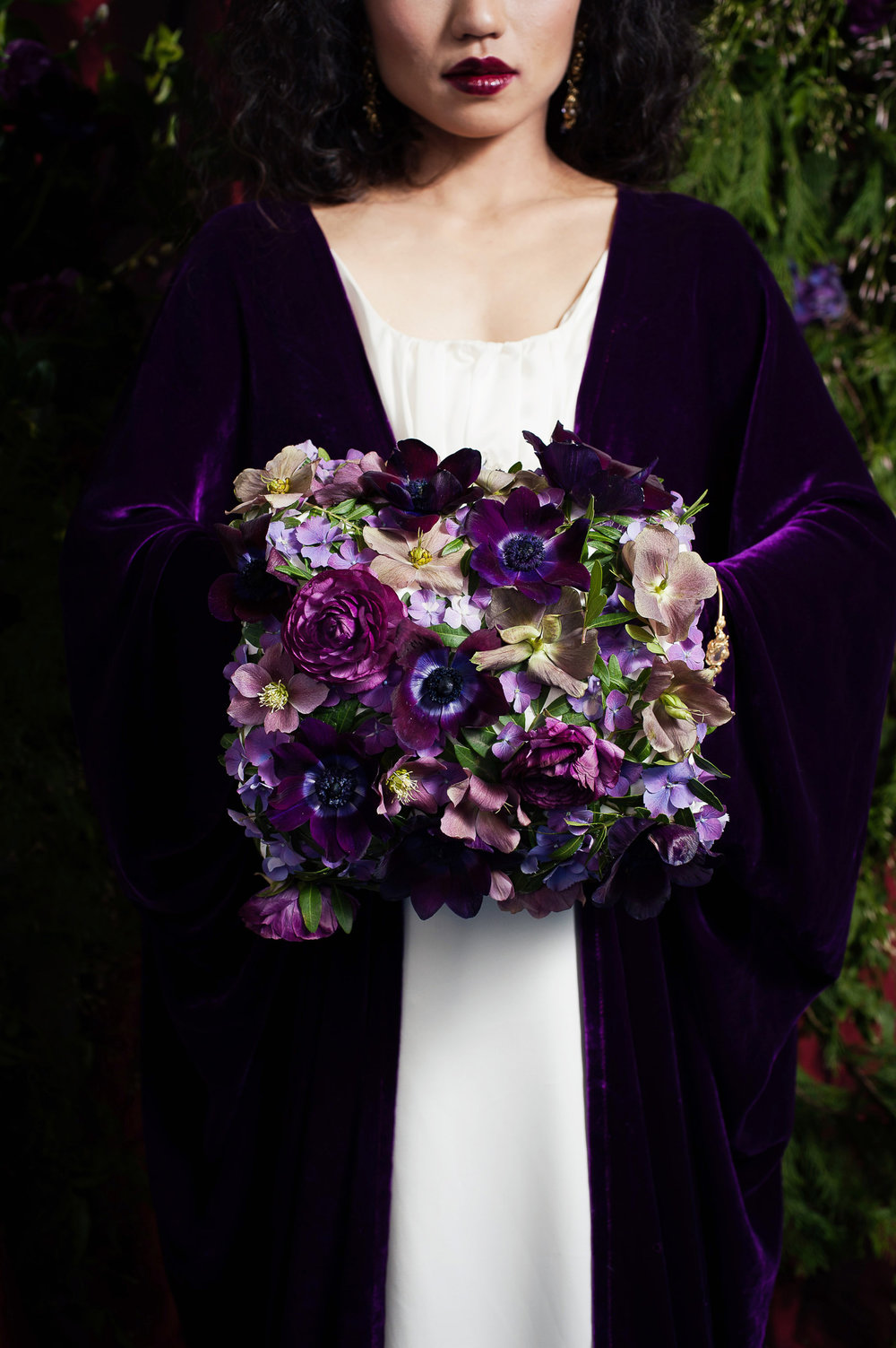 winter-wedding-sumptous-shoot-rich-purples-015.jpg