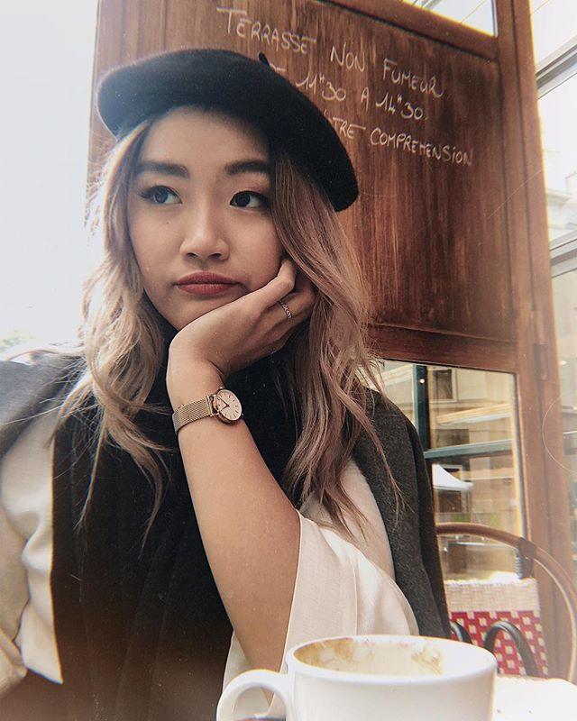 Un croissant et un café crème pour le petit-déjeuner🥐 Travelling alone means the only picture of yourself is taken by a selfie stick. Thanks @tranolav ❤️ tu me manques.