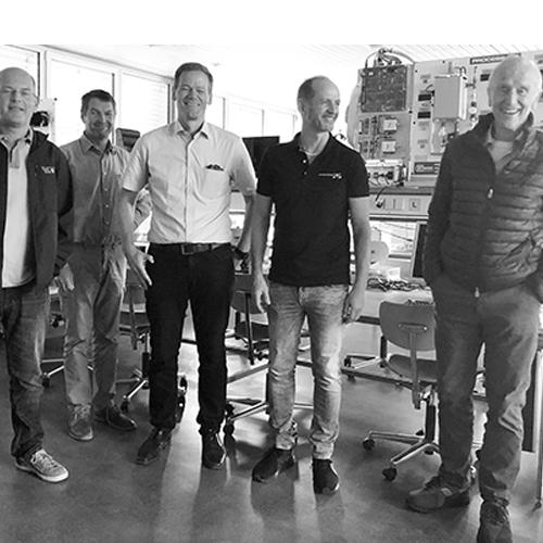 Mit dem unw zu Gast bei der Hochschule Ulm: Kai Weinmüller, Prof. Dr. Marian Kazda, Prof. Dr. Kleiser, Carbonaut Torsten Becker, Dr. Hans-Dieter Bühler (v. l.)
