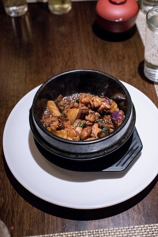 Claypot Chicken at Hiro
