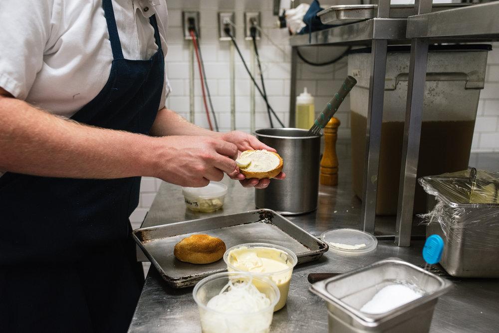 Brasserie Niche Burger Prep