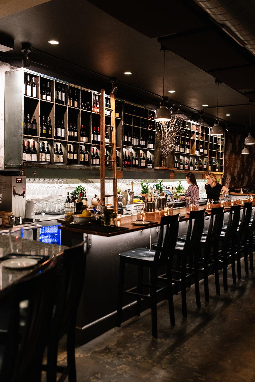 Louie Bar