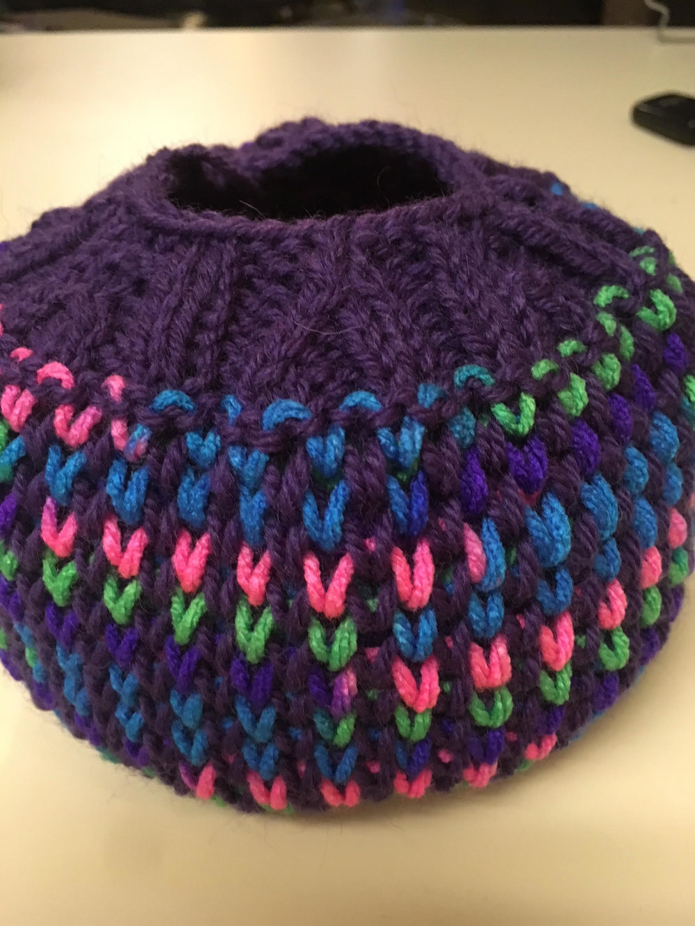 Laura's beautiful ponytail hat using Hexagon Stitch.