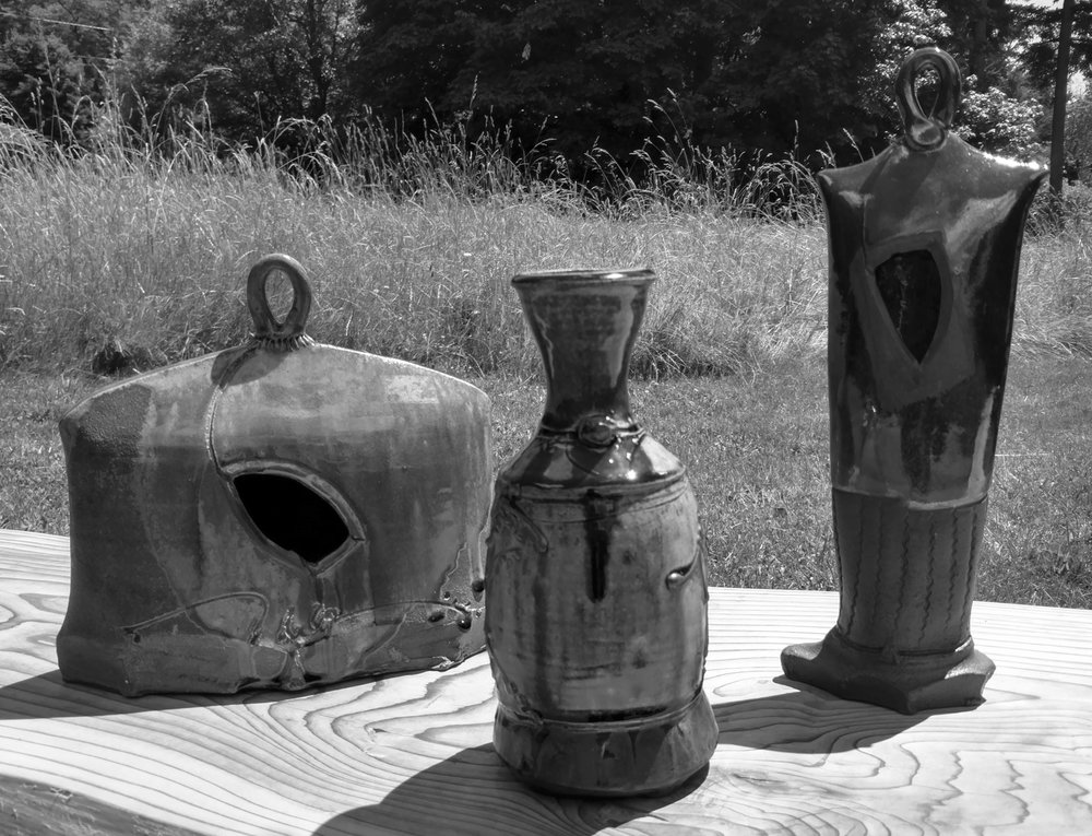 Doug Lawrie:  American Potter who designs stoneware based on Japanese styles and forms of the Folk Art tradition.