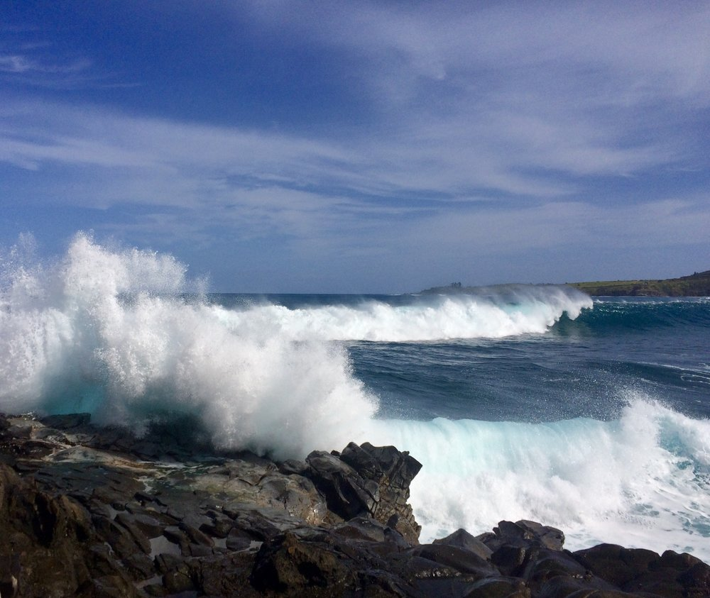 Ocean spray at Makaluapuna point (photo by:    @thelotuspage   )
