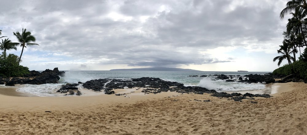 Secret Beach in Maui, HI (photo by:  @thelotuspage )