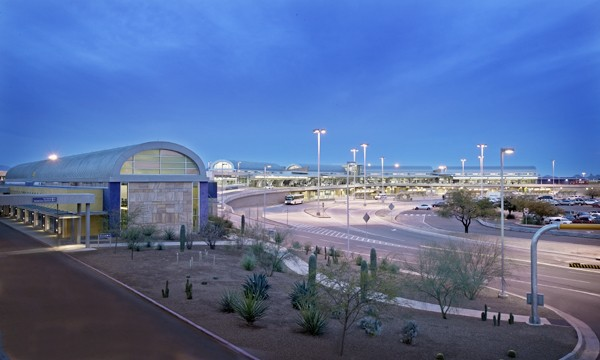 - Tucson International Airport Information7250 South Tucson BoulevardTucson, AZ 85756(520) 573-8100Tucson Intl. is located 19 minutes (8.7 miles) away from the School of Music