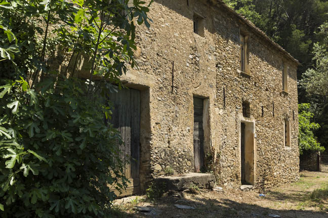 Rustic farm-house For Sale…