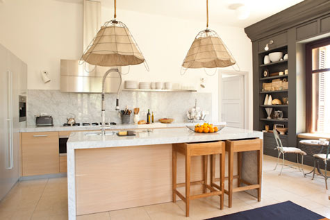 Kitchen as the core of the apartment… soft tones against marble, wood and linen.