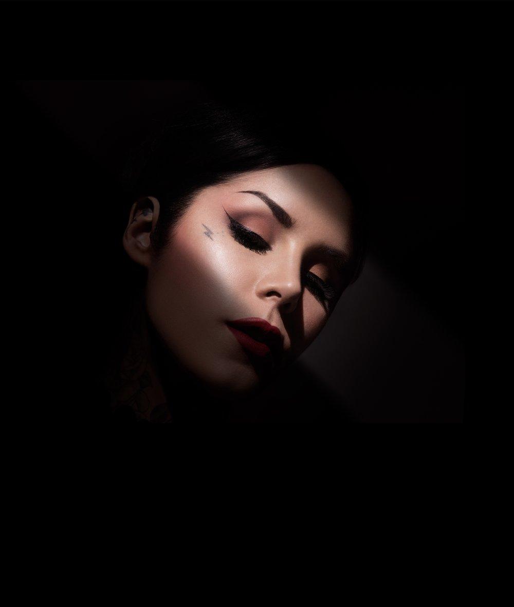 Kat Von D Eye Contour