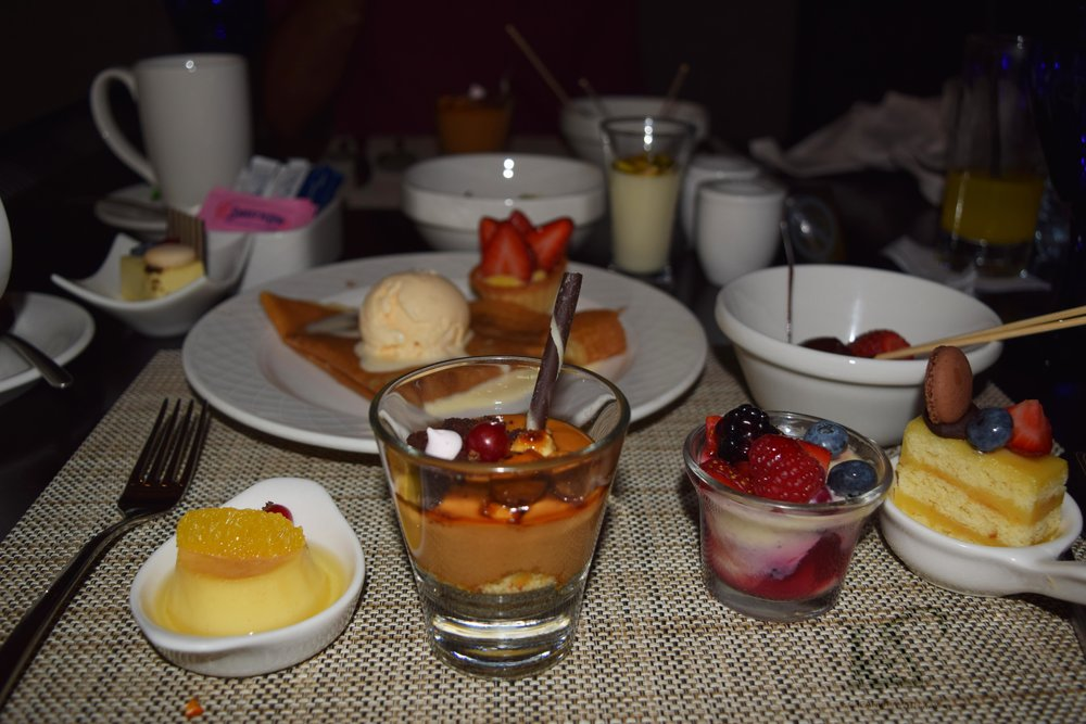 For those who know me, I am not much of an eater but I did eat all that dessert!