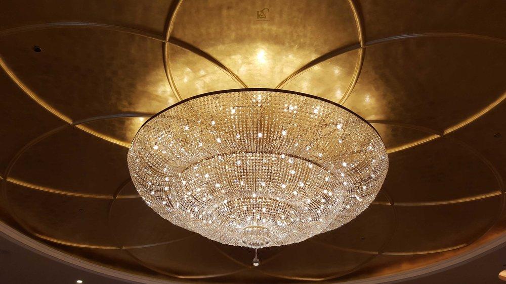 shangrila-lobby-chandelier