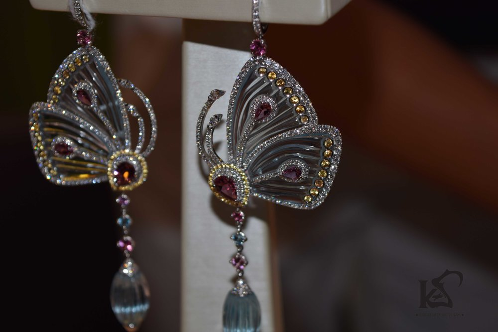 DJWE-blue-salon-jacobandco-diamond-butterfly