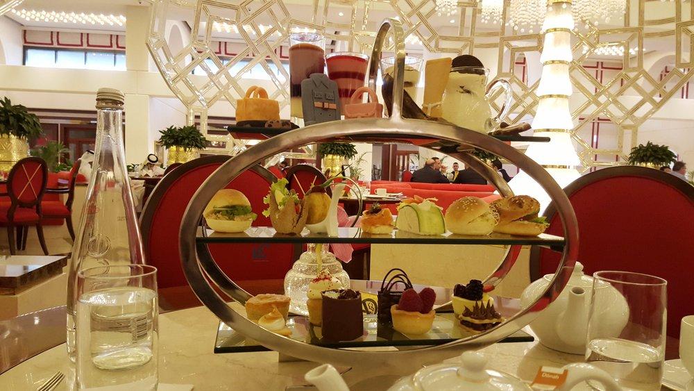 travel-qatar-fashion-food