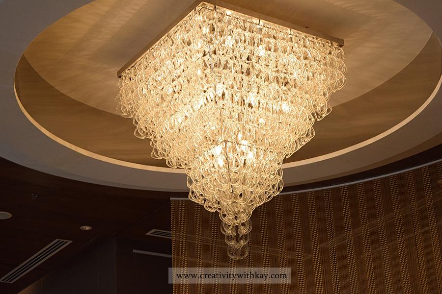 afternoon-tea-lobby-lounge-icdohathecity-qatar-blogger-chandelier.jpg