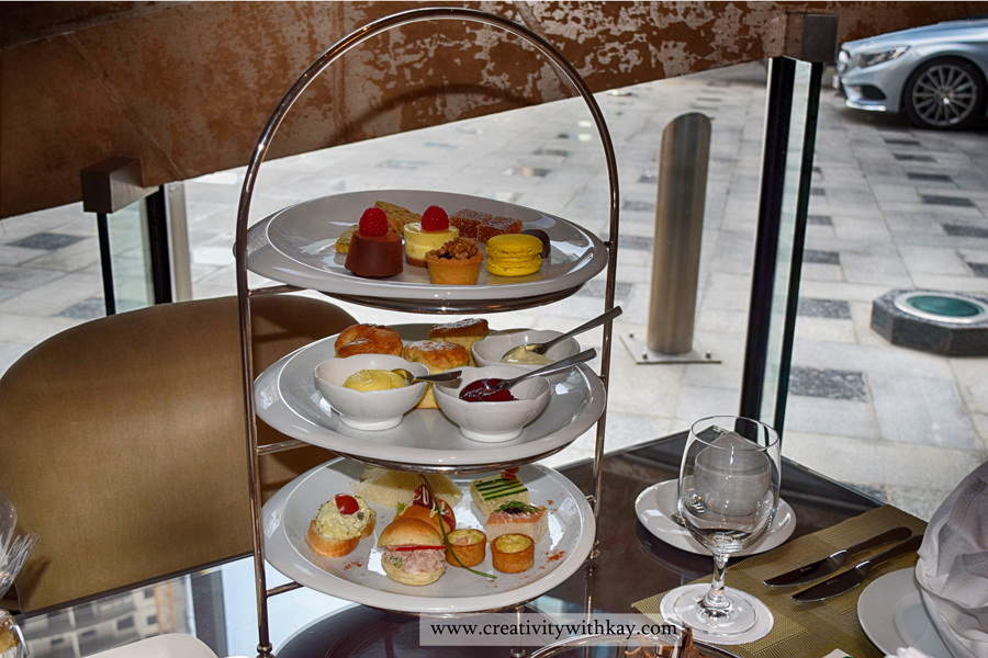 afternoon-tea-lobby-lounge-icdohathecity-qatar-blogger-english.jpg