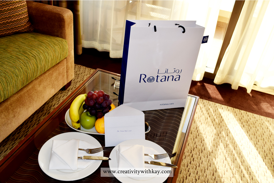 amwaj-rotana-stay-review-qatar-travel-blogger-creativitywithkay-khansa-eat-food-aerial-fruits-platter.jpg