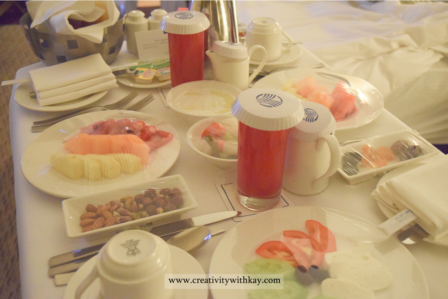 amwaj-rotana-stay-review-qatar-travel-blogger-creativitywithkay-khansa-eat-food-traveller-roomservice-breakfast.jpg