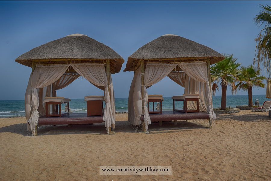 The-Cove-Rotana-resort-Ras-AlKhaimah-Travel-Blogger-Khansa-CreativitywithKay-view-couple.jpg