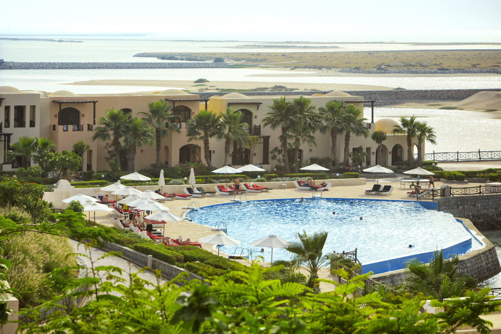 10-The-Cove-Rotana-Resort-_-Villas-of-Laguna-Pool-1200x800.jpg