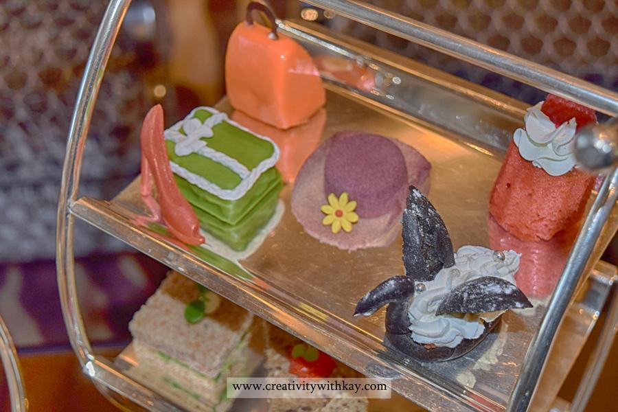 sarablounge-stregis-doha-afternoon-tea-carolineaster-desserts.jpg
