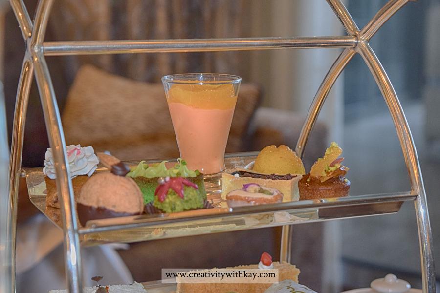 sarablounge-stregis-doha-afternoon-tea-arabic-sweets.jpg