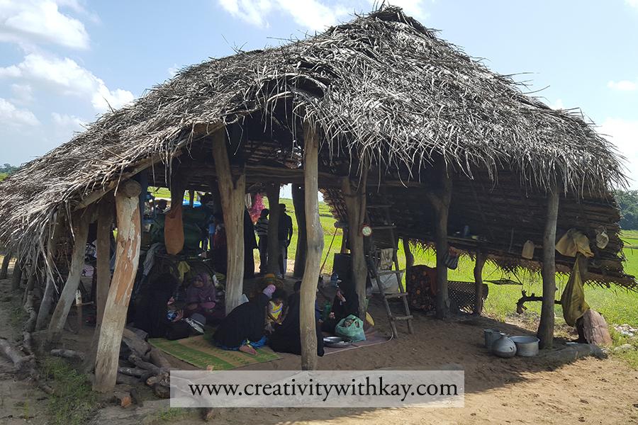 qatar-travel-blogger-khansa-lunch-local-village-hut-farm-srilanka