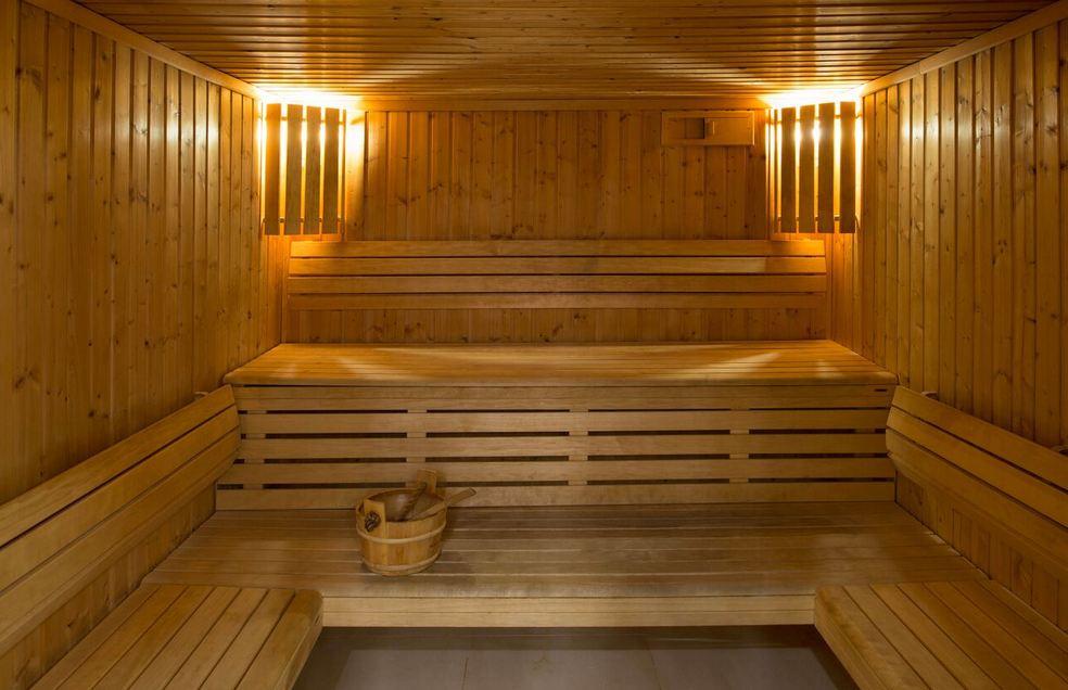 qatar-blogger-spa-day-charmedorient-crowne-plaza-doha-sauna