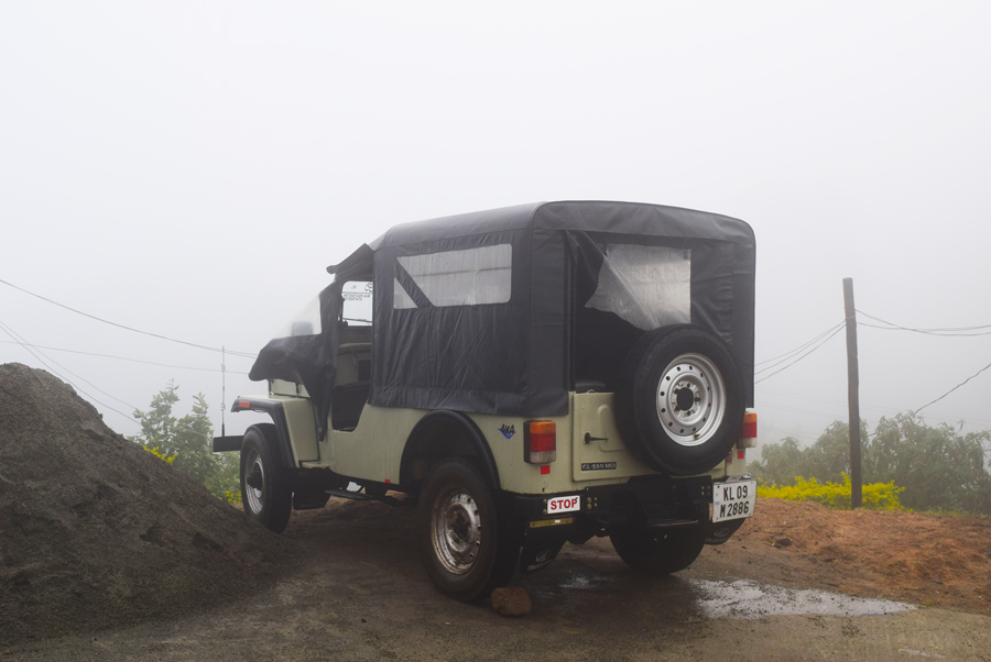 The-Shola-Crown-Safari-Jeep-Mahindra.jpg