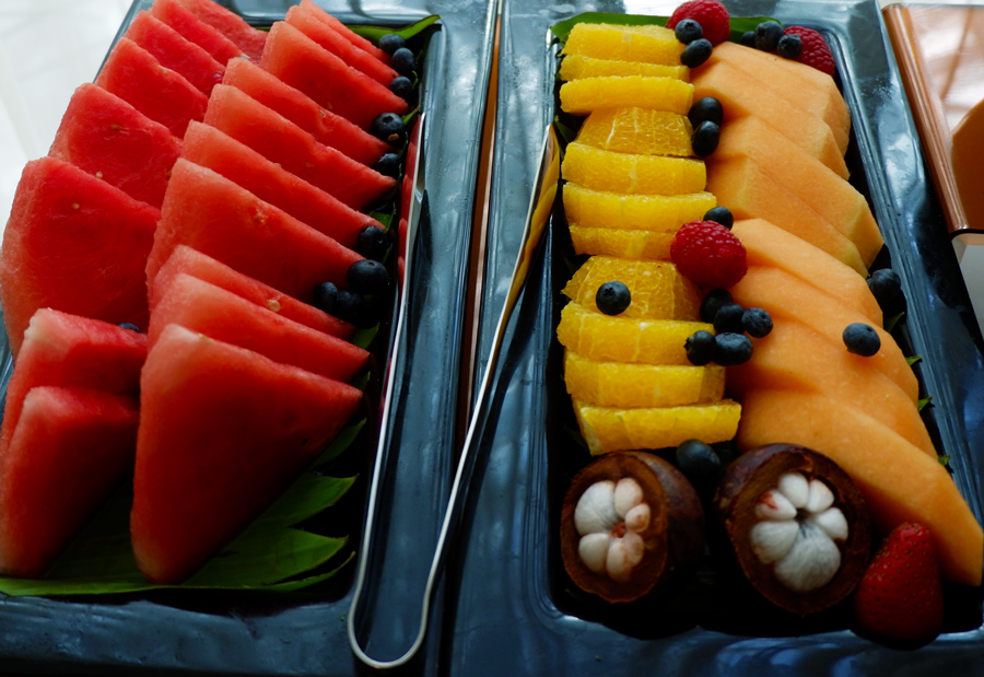 oryx-rotana-club-rotana-lounge-exotic-fruiits.jpg