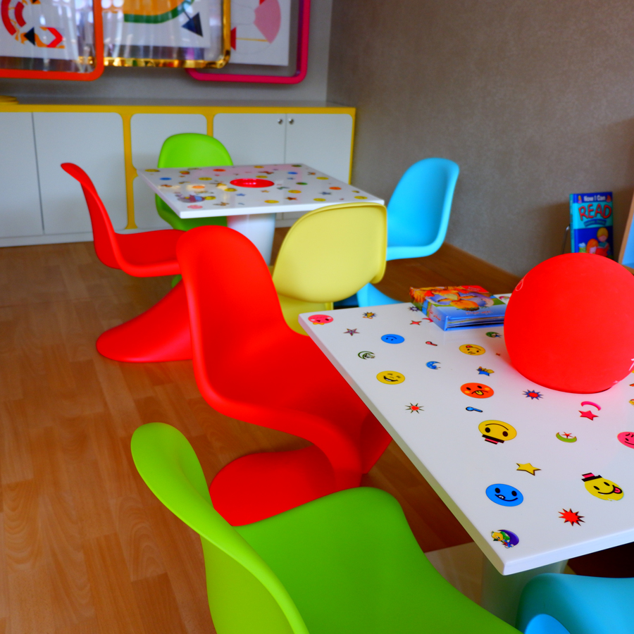 alrayyan-hotel-curio-hilton-kids-area.jpg