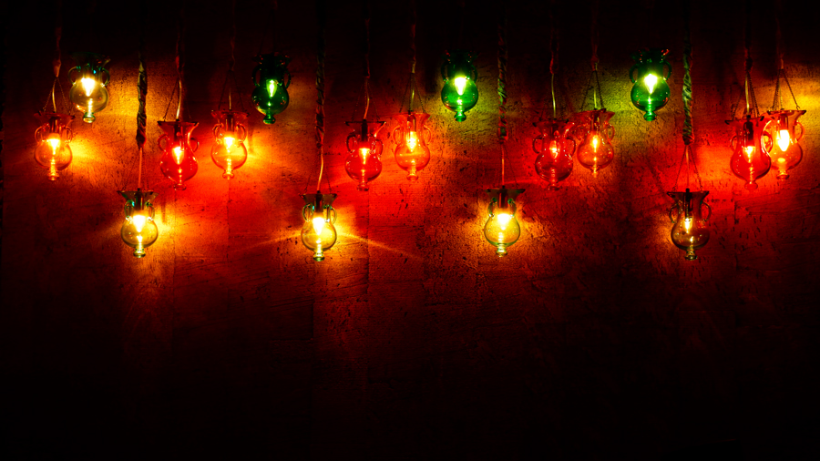 Friday-Brunch-CityCentre-Rotana-misk-lights.jpg