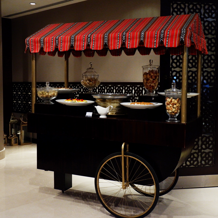 Friday-Brunch-CityCentre-Rotana-food-cart.jpg