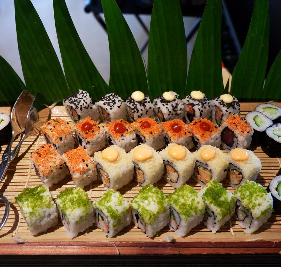 Friday-Brunch-CityCentre-Rotana-sushi-2.jpg