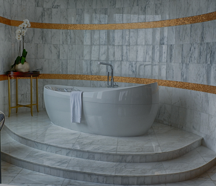 abudhabi-suite-bathtub3.jpg