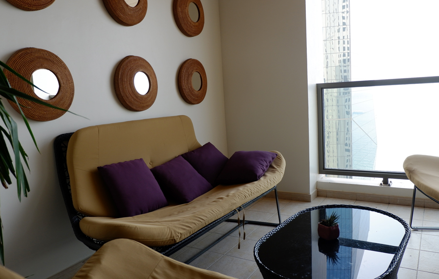 movenpick-jbr-executive-lounge-balcony.jpg