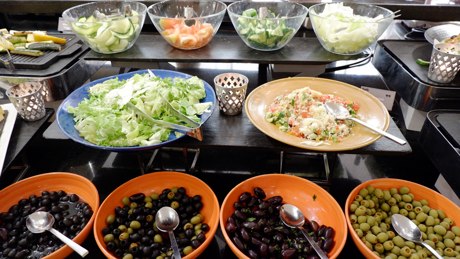 movenpick-jbr-talk-restaurant-salad.jpg