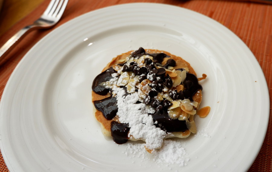 movenpick-jbr-the-talk-pancake-nutella-peanutbutter.jpg