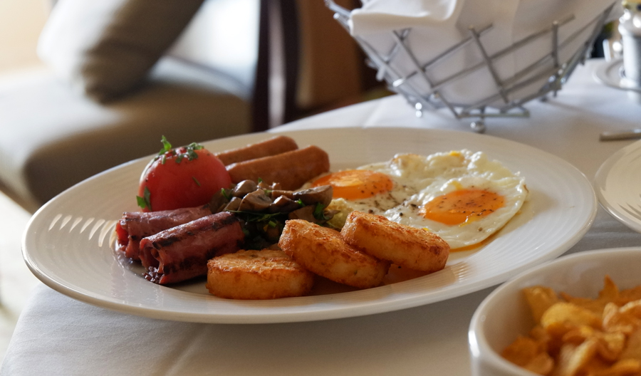 movenpick-jbr-room-service-breakfast-meat.jpg
