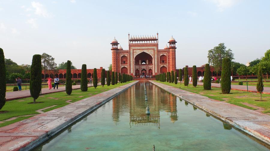 Taj-gate3.jpg