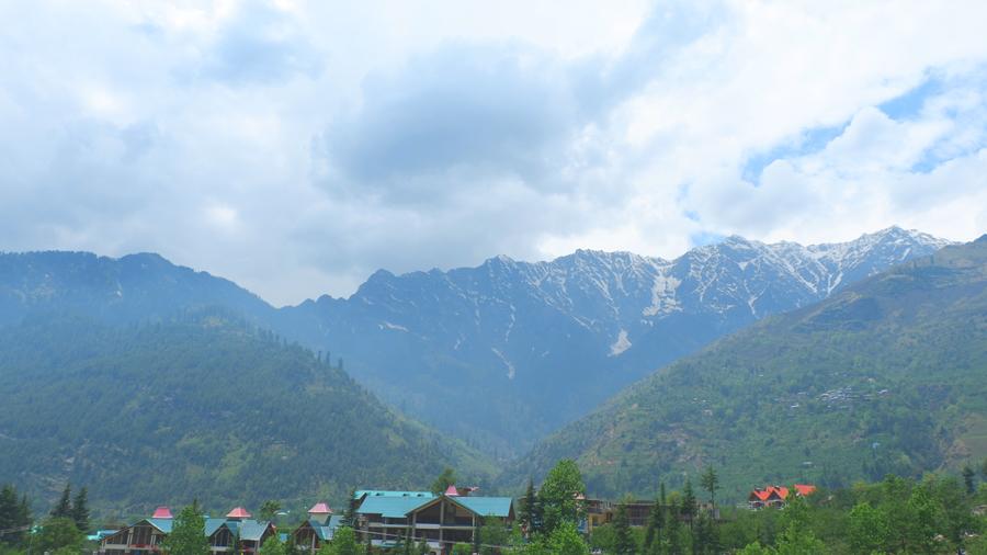 manali-snow-capped-peaks.jpg